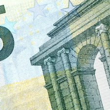Is the Euro about to collapse